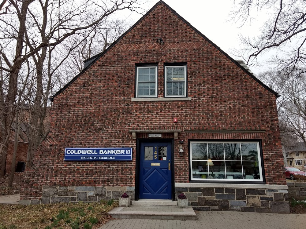 Coldwell Banker Realty – Maplewood Office
